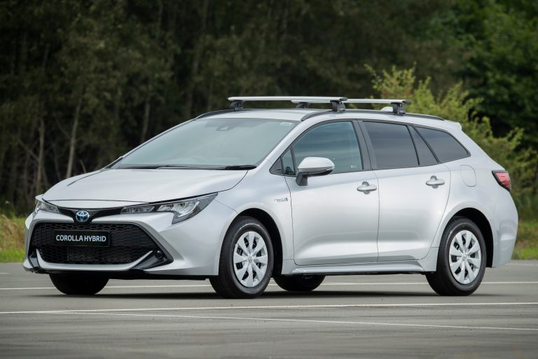 Toyota Corolla Commercial (model shown fitted with accessory roof bars and tow bar)